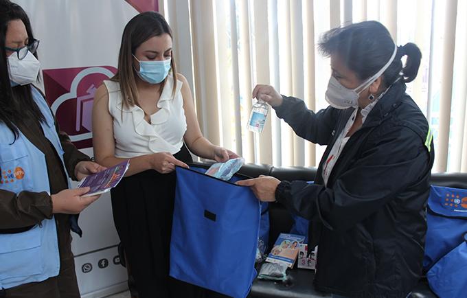 Entrega de Kits de Dignidad en Carchi a mujeres que han vivido - VBG